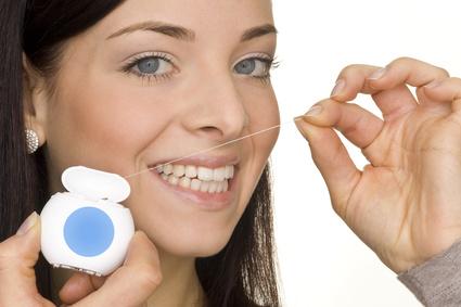zahnfleischrückgang zahnseide